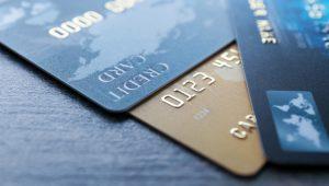 Koronavírus - Tizenötezer forintra nő a PIN-kód nélkül engedélyezett, érintéses fizetések határa